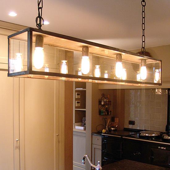 vitrine lange h ngeleuchten aus messing casa lumi. Black Bedroom Furniture Sets. Home Design Ideas