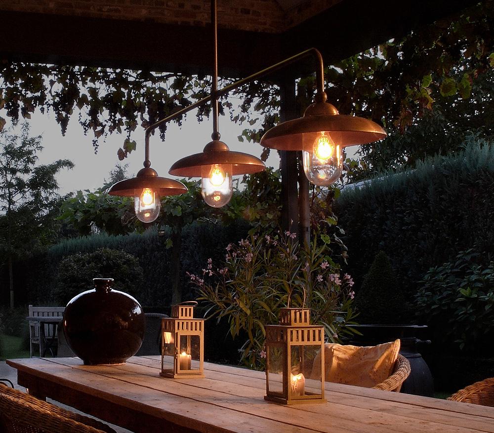 gro e rustikale stab h ngeleuchte mit drei schirmen. Black Bedroom Furniture Sets. Home Design Ideas