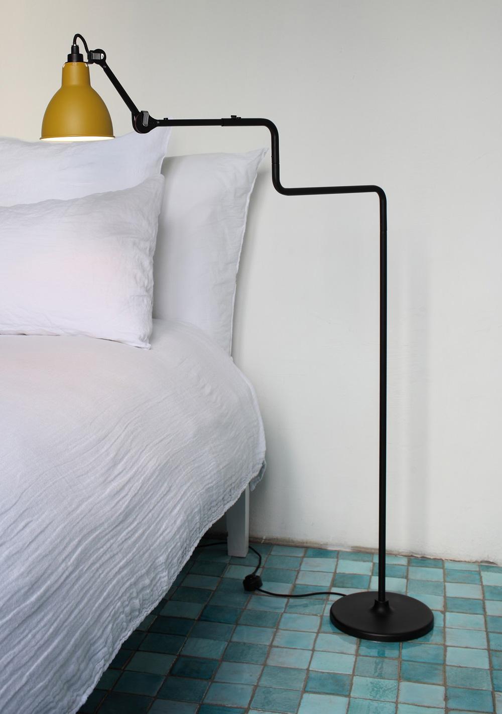 funktionale stehleuchte mit doppel schwenkarm n 411 casa lumi. Black Bedroom Furniture Sets. Home Design Ideas