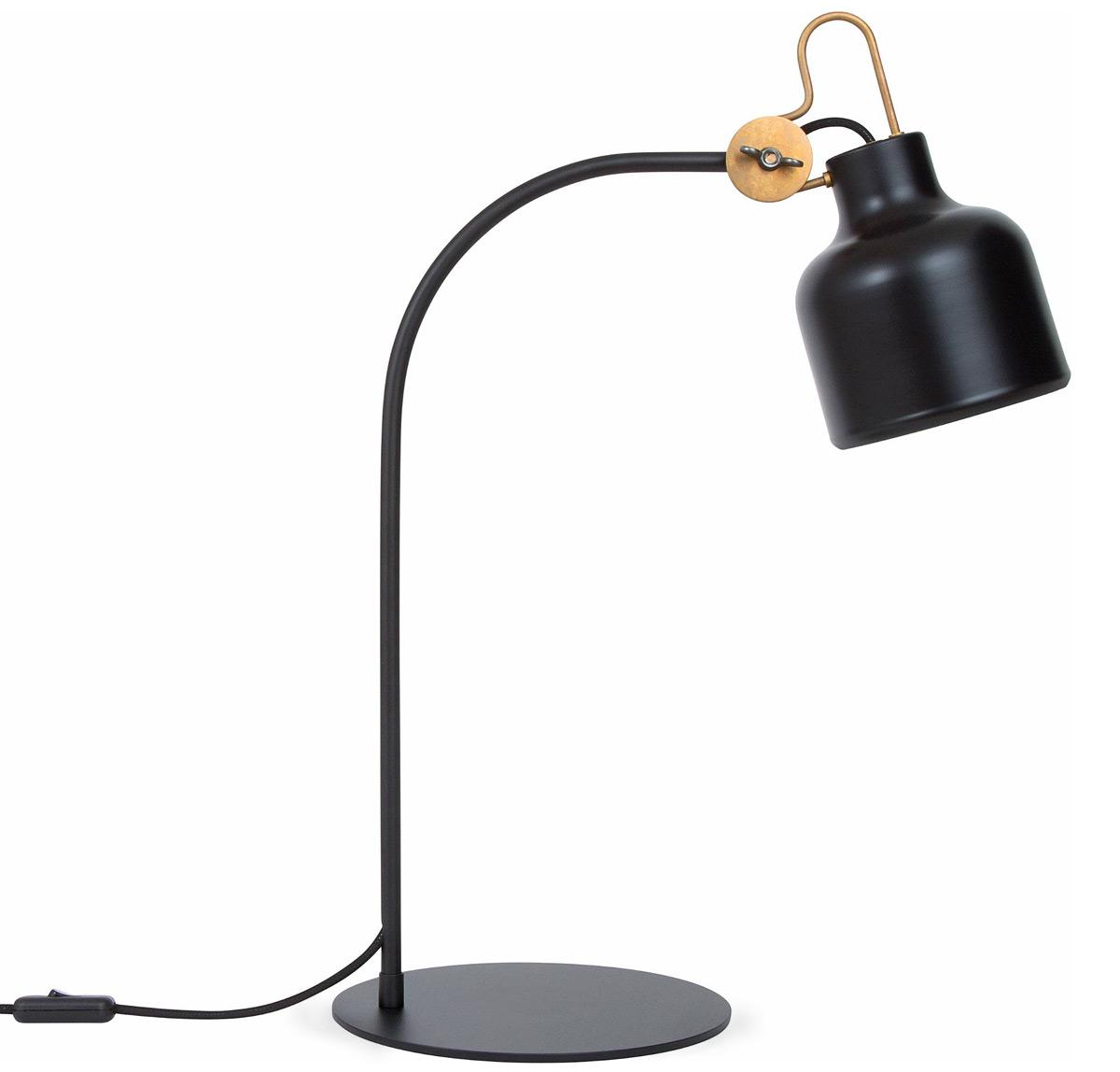 Skandinavische design tischlampe aus messing bold casa lumi for Skandinavische design