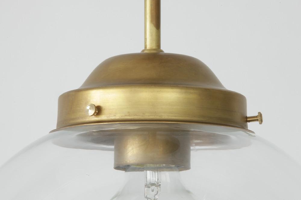 Plafoniere A Led 30 Cm : Schwedische glaskugel deckenleuchte am kurzen messing stab Ø