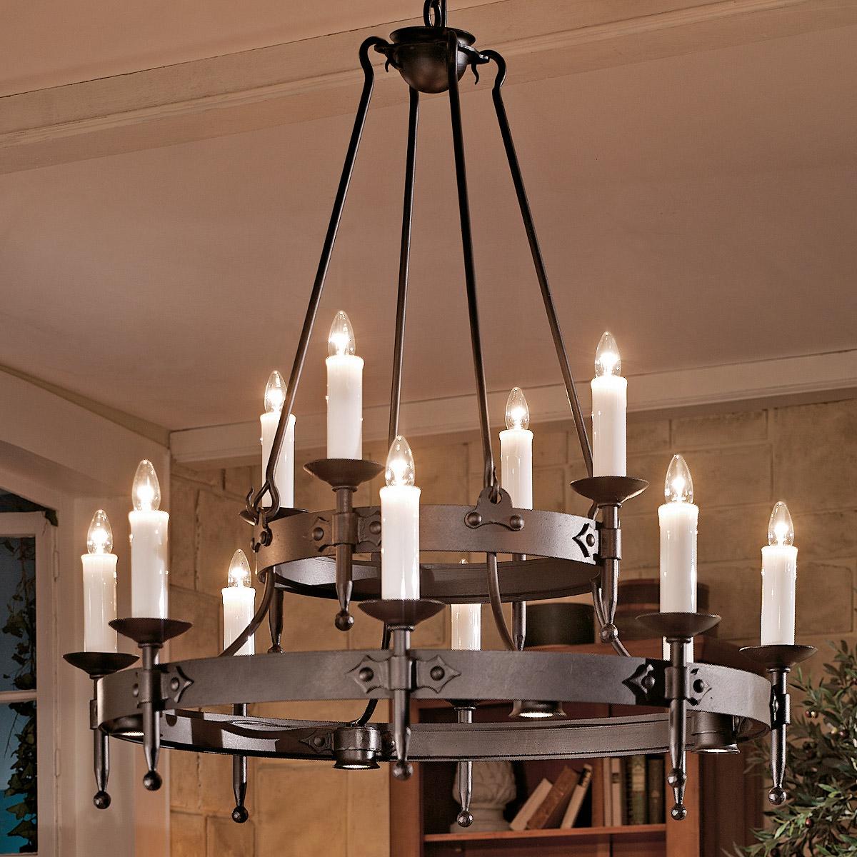 Großer geschmiedeter Kerzen-Leuchter mit Strahlern nach unten - Casa ...