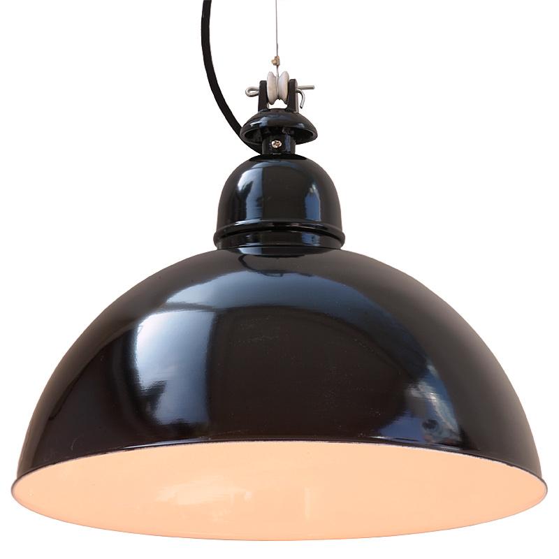 kehl h ngelampe mit gew lbtem blechschirm im industriedesign casa lumi. Black Bedroom Furniture Sets. Home Design Ideas