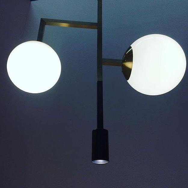 Moderner Art déco-Kugel-Leuchter mit Downlight-Spot - Casa Lumi