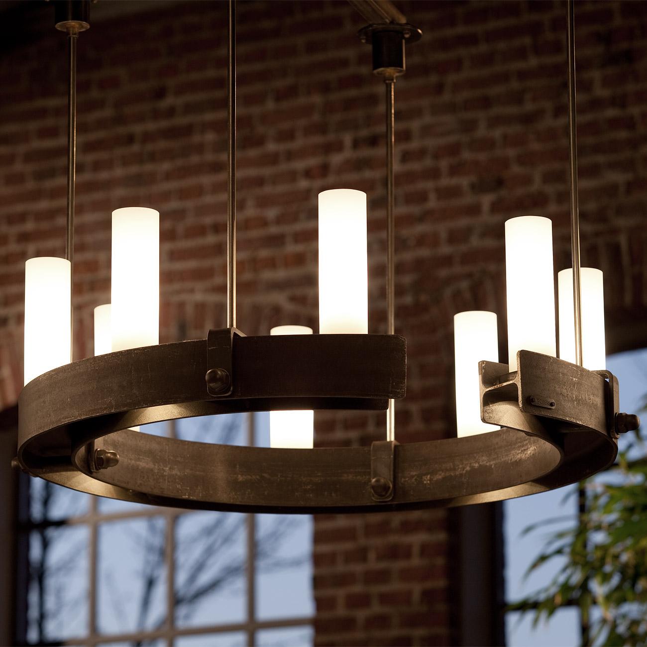 Schwerer Ring-Leuchter mit 9 Glastuben und Down-Spots - Casa Lumi