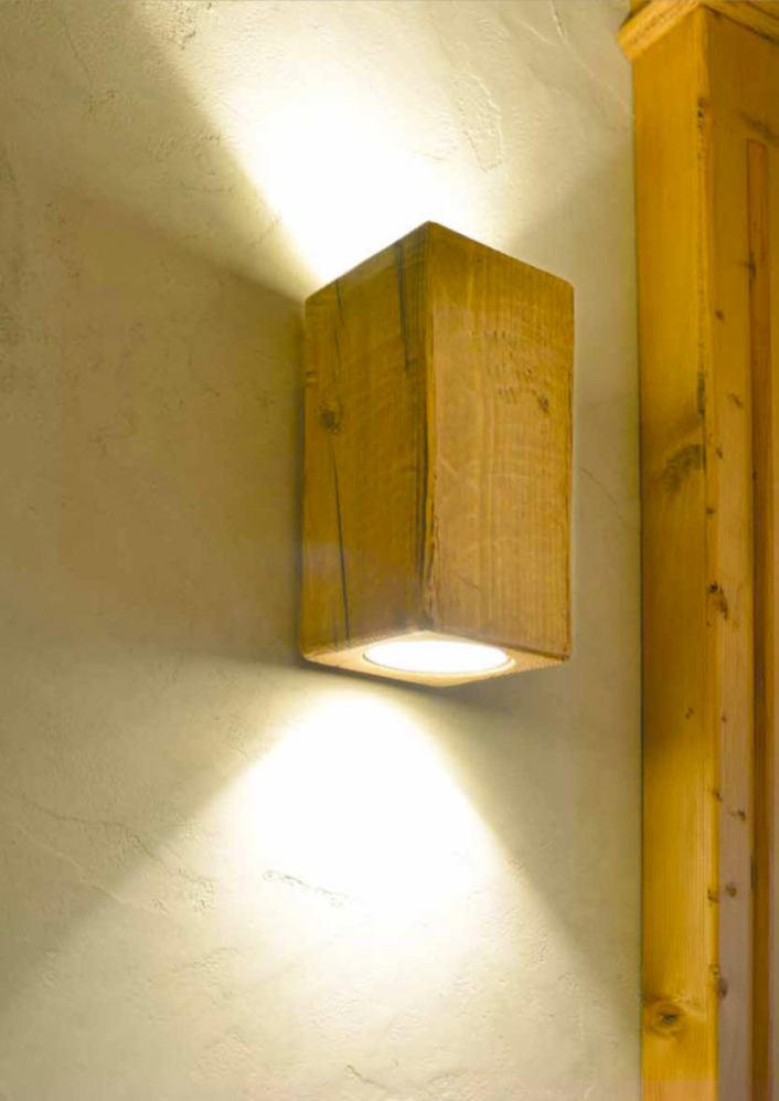 up and down strahler wandleuchte aus antikem massivholz casa lumi. Black Bedroom Furniture Sets. Home Design Ideas