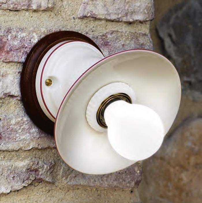 kleine keramik wandlampe aus italien landhaus stil casa lumi. Black Bedroom Furniture Sets. Home Design Ideas