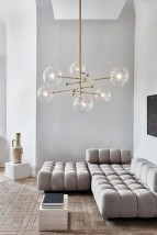 Six-flamed glass ball chandelier, adjustable arms von Schwung Home, Image 8