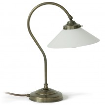 Graceful country table lamp made of brass